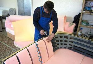 Ремонт диванов на дому в Ульяновске