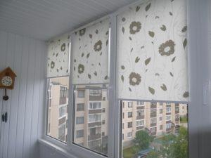Установка рулонных штор на пластиковые окна в Ульяновске